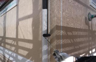 竪樋 中塗り