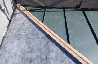 下屋根重ね葺き 状況