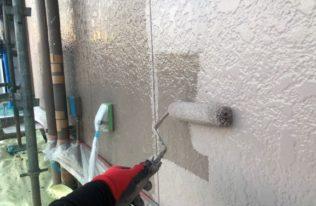 外壁上塗り 状況