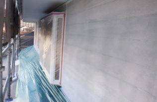 外壁下塗り 完了